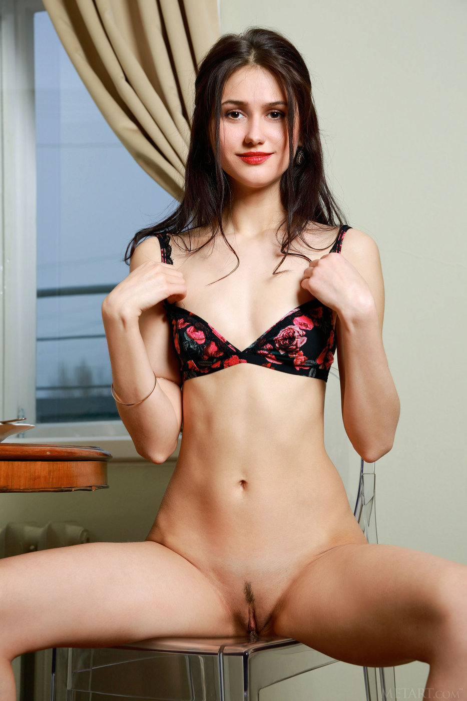 Perfect brunette pussy