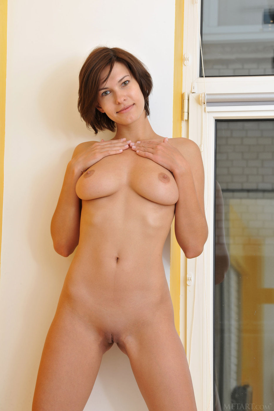Very Naked older brunette