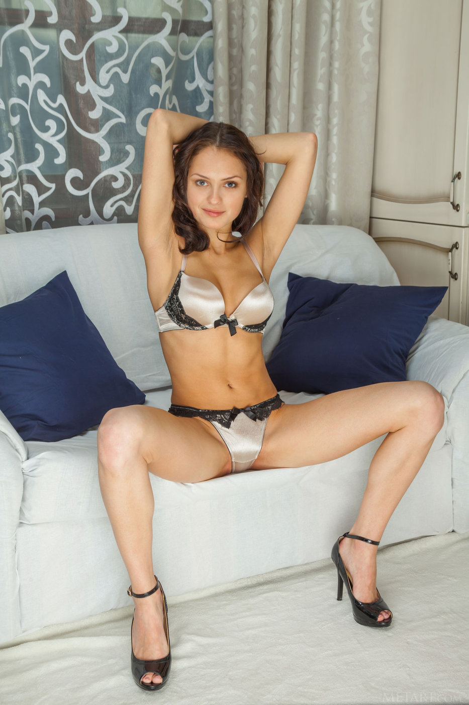 pussy lingerie Sexy brunette