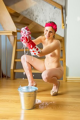 Pinup-y housewife teen cleaning the apartment completely naked Videos