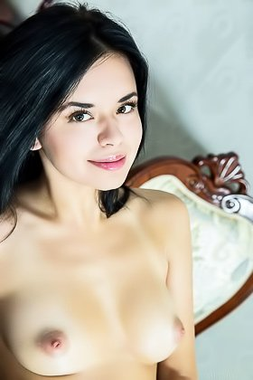 Beautiful dress brunette revealing her beautiful pussy to the viewer Videos