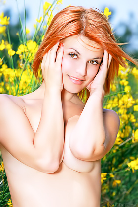 Short-haired redhead and her undeniably amazing pussy in the spotlight Videos