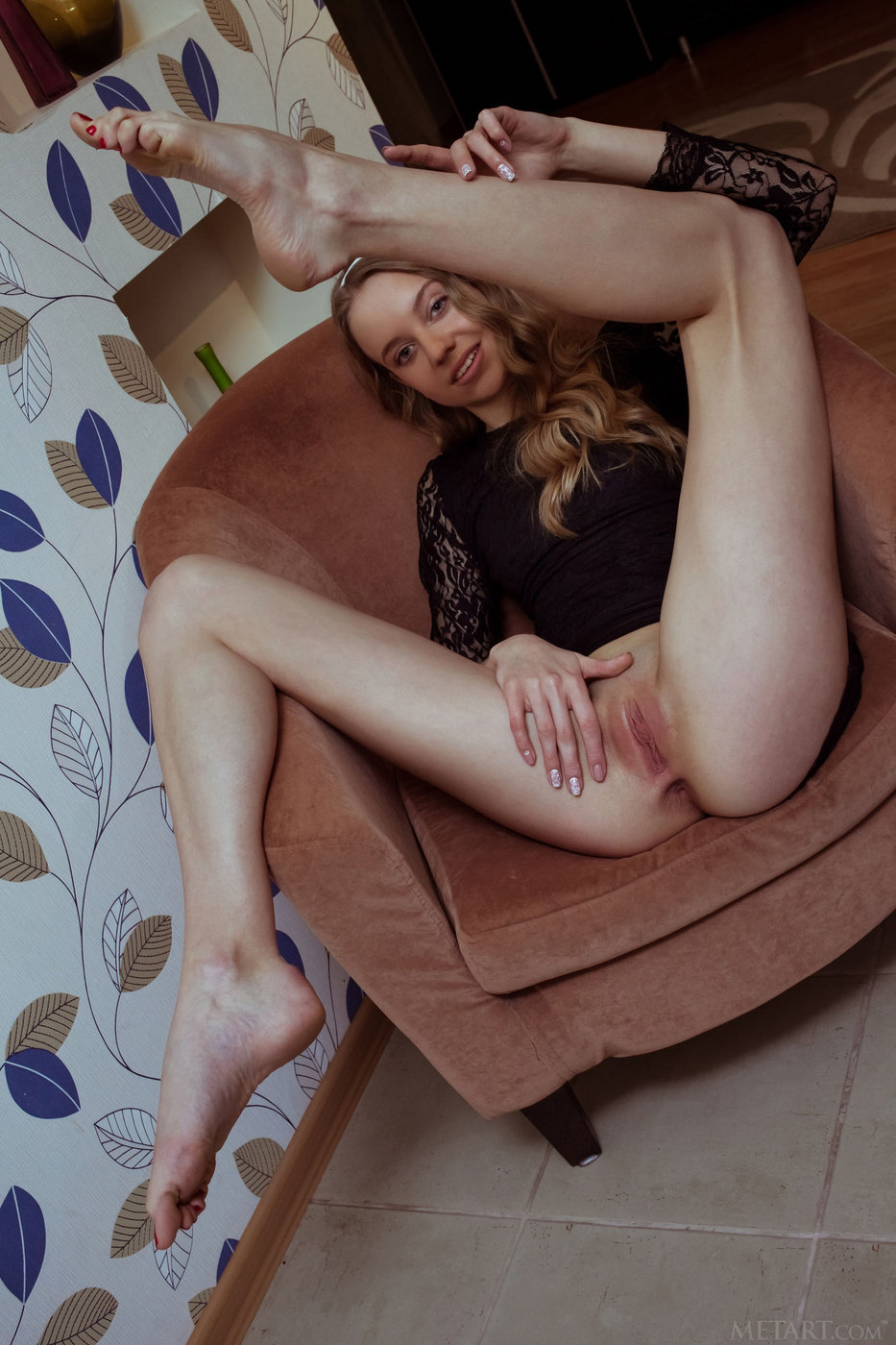 spread legs pussy pictures