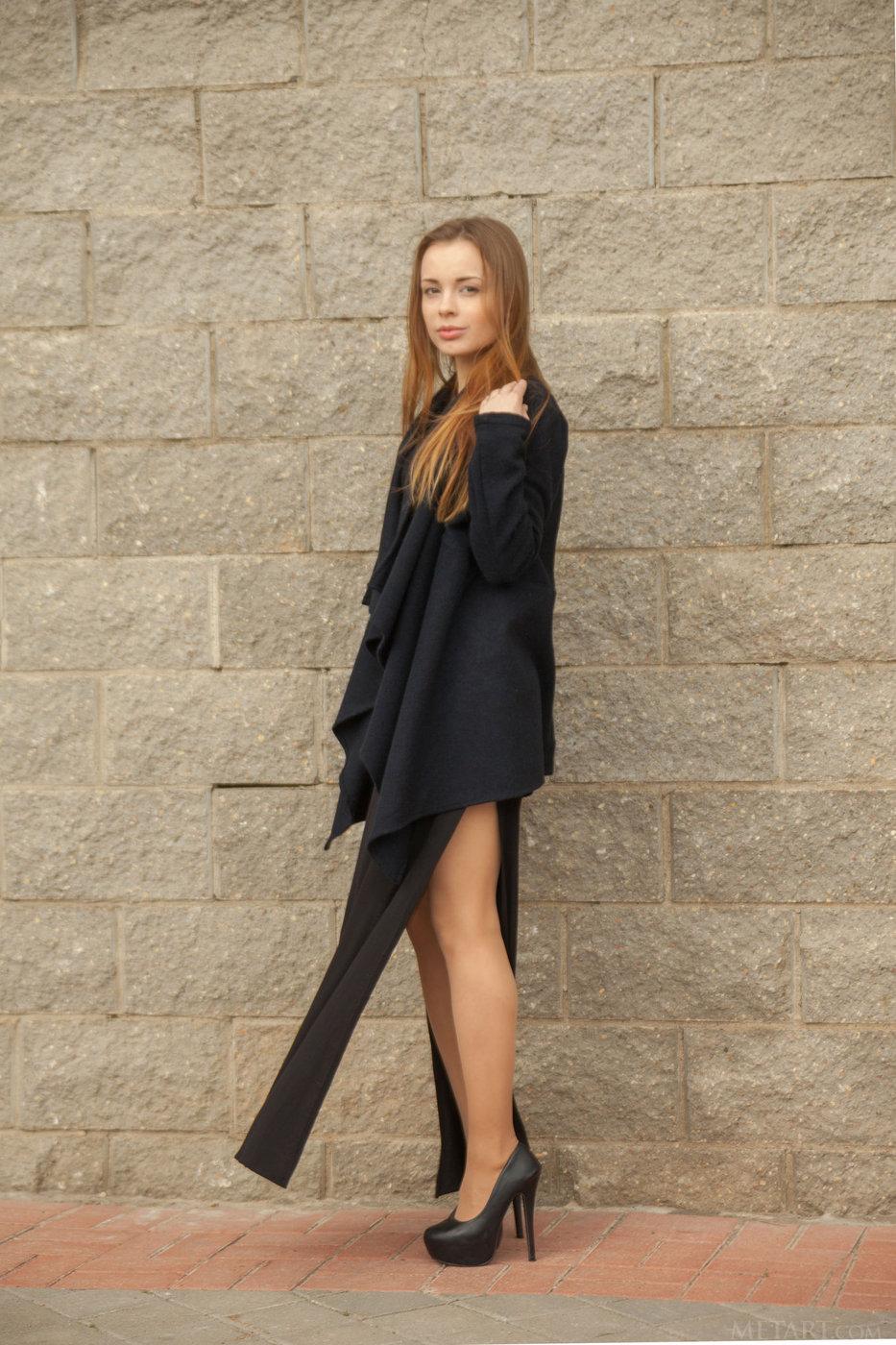 Fur-loving luxurious brunette posing on all fours