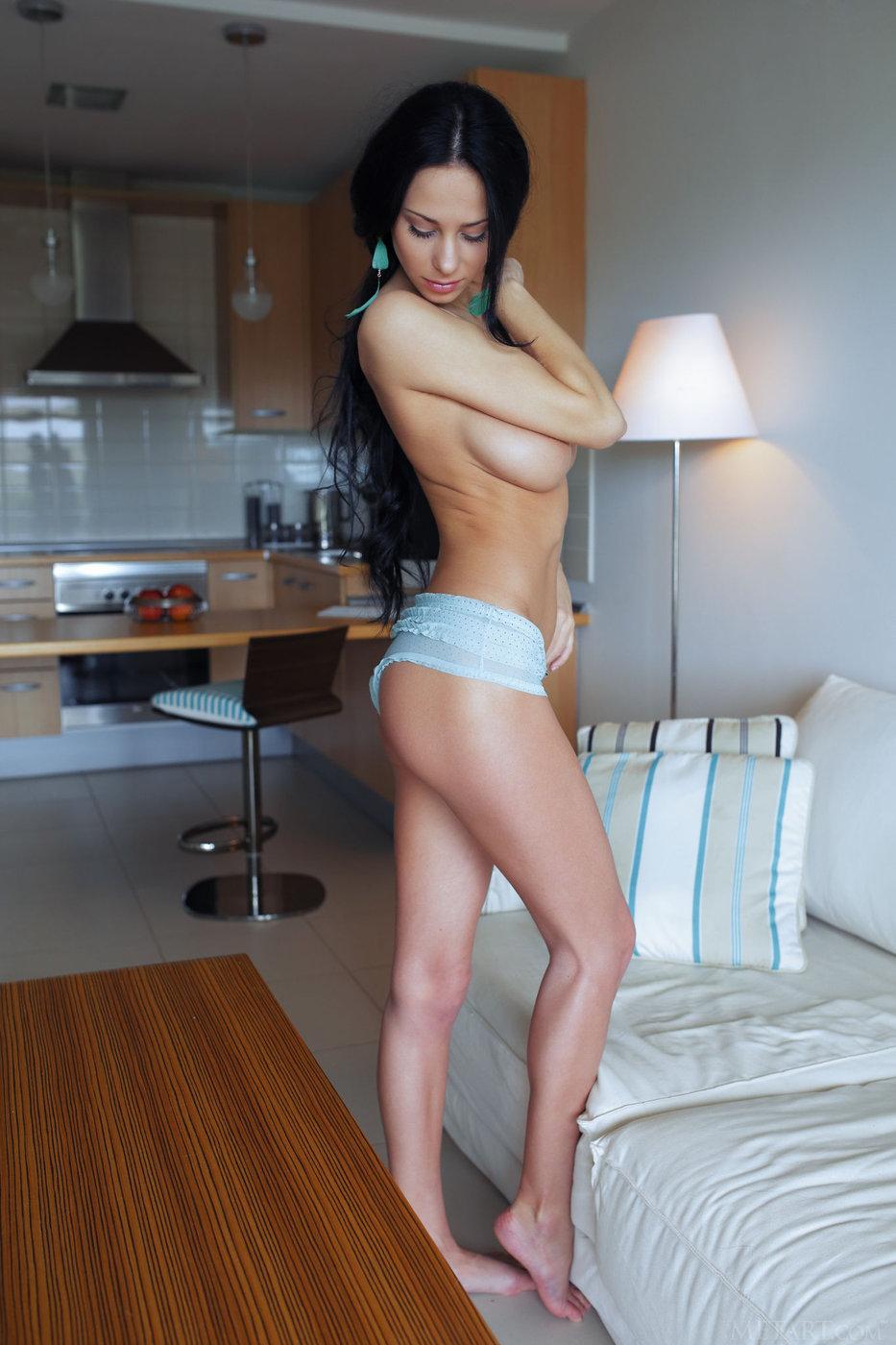 legs naked pics