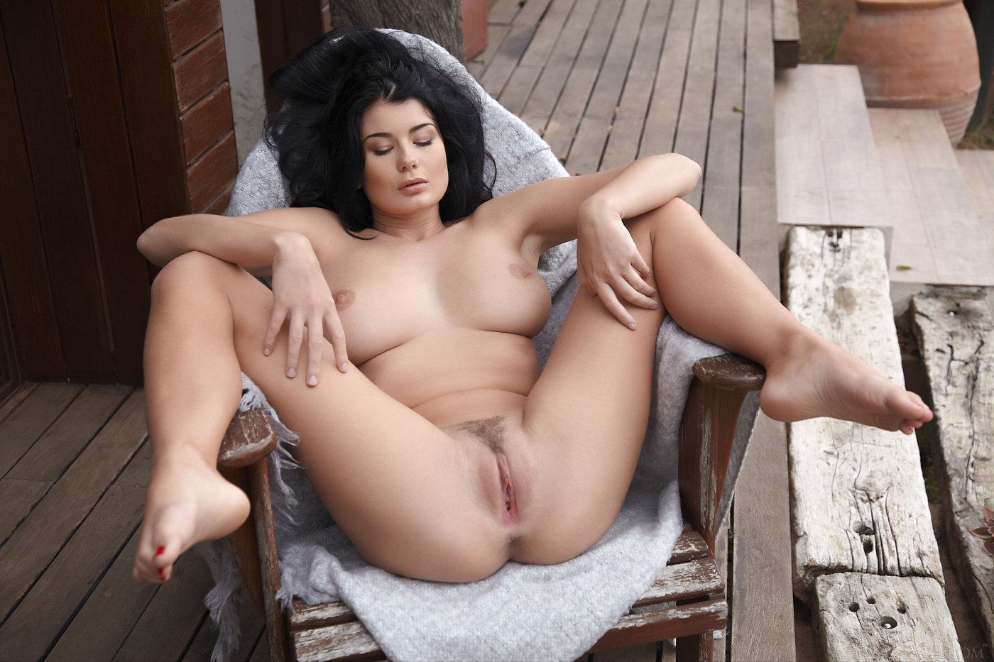 Thick Brunette With Shapely Legs Shows Her Trimmed Slit -1317