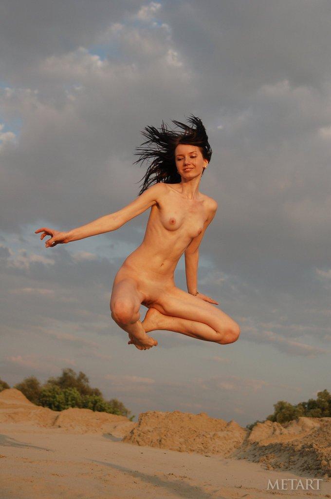 Samantha Santiago Nude Pics