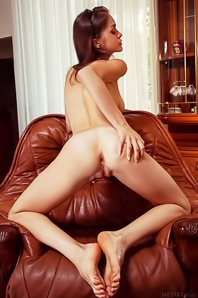 Long-legged brunette shows her pussy and beautiful-looking anal hole Videos