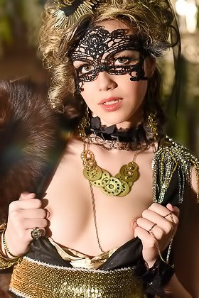 Mysterious beauty in a mask taking off her elaborate get-up on cam Videos
