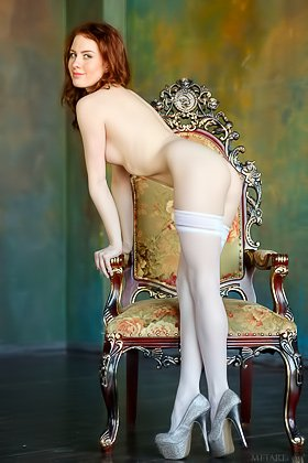 Stunning redheaded model teases with her firecrotch on a throne Videos