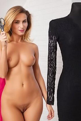 Tanned beauty shows her bronzed body in a great solo photoshoot Videos
