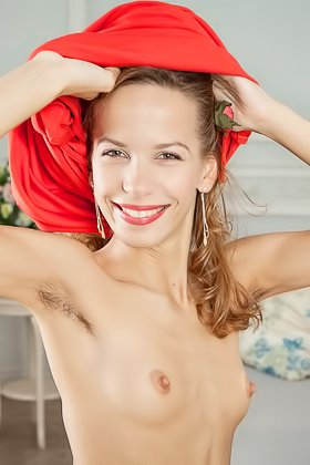 City girl showing her hairy pussy and armpits in a solo gallery Videos