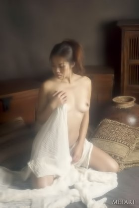 Perky bum Asian chick shows off her incredible body in a steamy gallery Videos