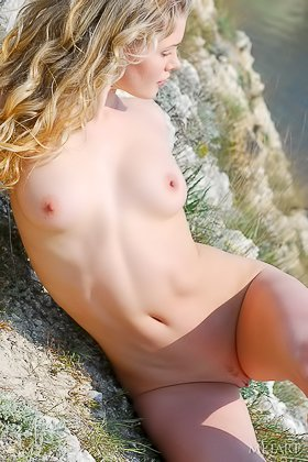 Fearless blonde almost falls off a cliff while posing for you Videos