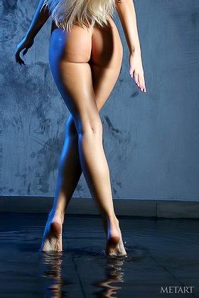 Effortlessly seductive blonde angel showing her boobies and trimmed cooch Videos