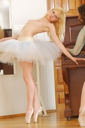 Flexible blonde ballerina posing alongside her timid-looking GF Videos