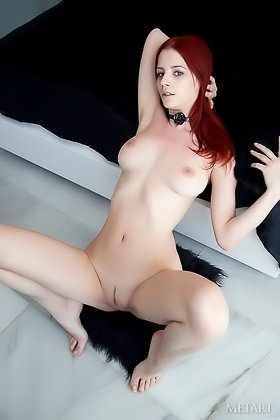 Red-haired chick with a pasty body shows her backside and feet Videos
