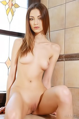 Long-haired hottie gracefully showing her boobies and then some Videos
