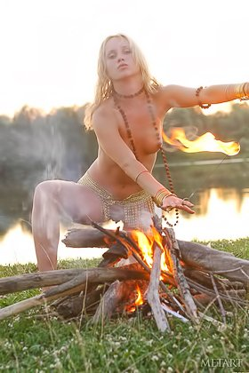 Genuinely gorgeous blonde performs a ritual while totally naked Videos