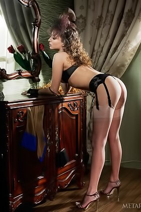 Fancy babe with long legs posing and showing her pussy from behind Videos