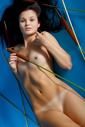 Tan lines brunette exposing her beautiful body by the exotic plant Videos